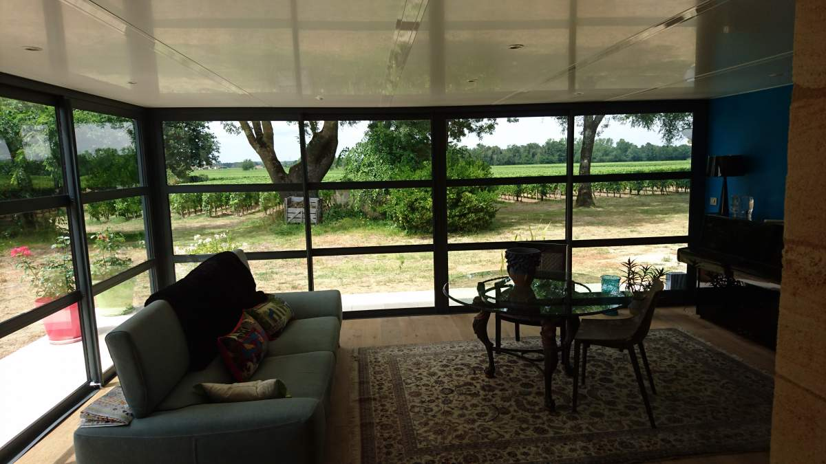 Interieur veranda pose et achat gironde verand 39 innov for Decoration interieur veranda